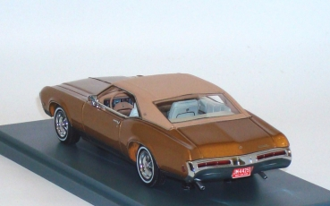 1/43 - Buick Riviera GS (1969) - gold